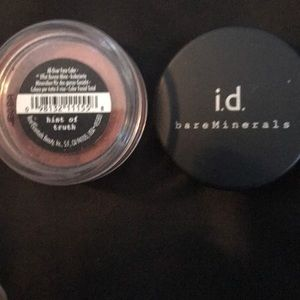 Bare Minerals Hint of Truth blush